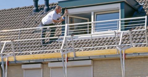 RSS, système antichute qui convient aussi bien aux toits plats qu'aux toits inclinés